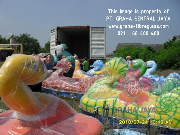 Sepeda air model angsa dan kuda laut